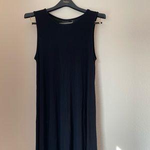 Tahari dress size S